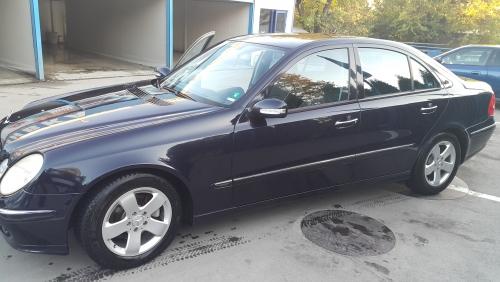 Mercedes - E270